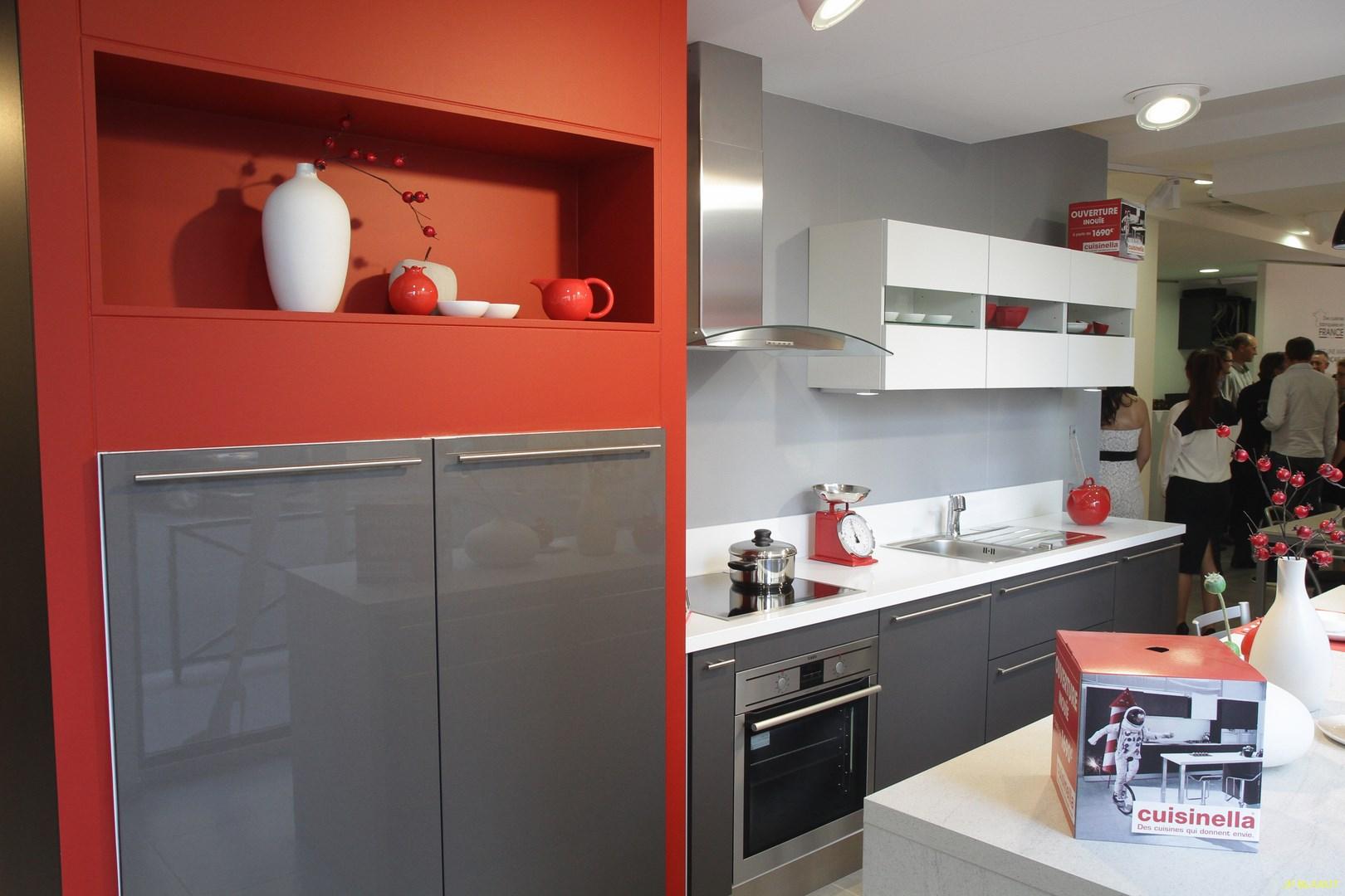 ouverture d un magasin cuisinella levallois 92. Black Bedroom Furniture Sets. Home Design Ideas