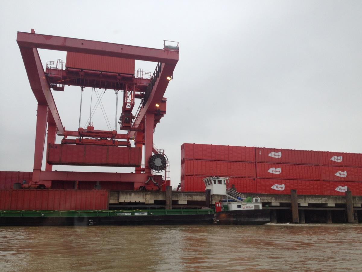 Eco-Systèmes et Veolia s'associent pour transporter les DEEE par voie fluviale