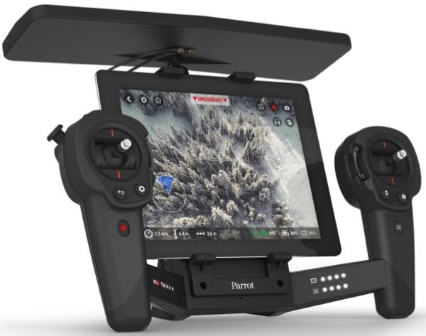 Le Skycontroller permet d'allonger la distance de pilotage et de voler en immersion