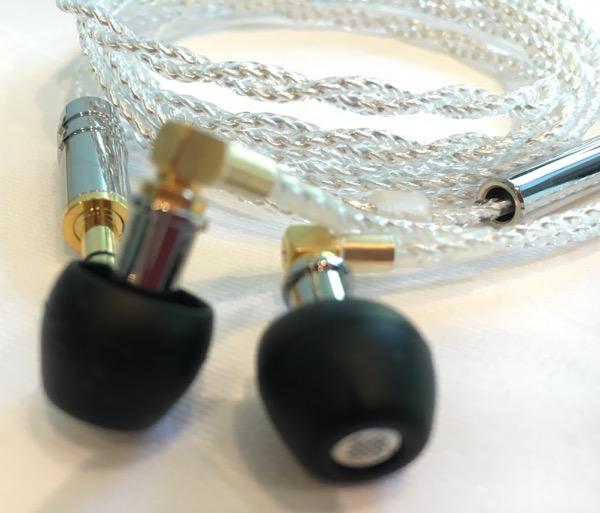 Le F7200 s'annonce comme le plus petit écouteur intra au monde