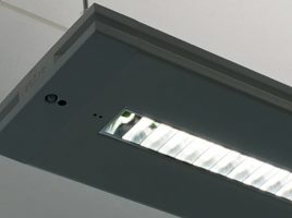Helvar est partenaire avec différents fabricants de luminaires pour y intégrer leurs solutions de contrôle d'éclairage