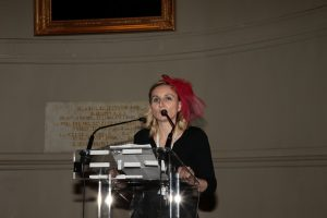 très joli bibi d' Isabelle Coune, la Présidente de l'ACAM